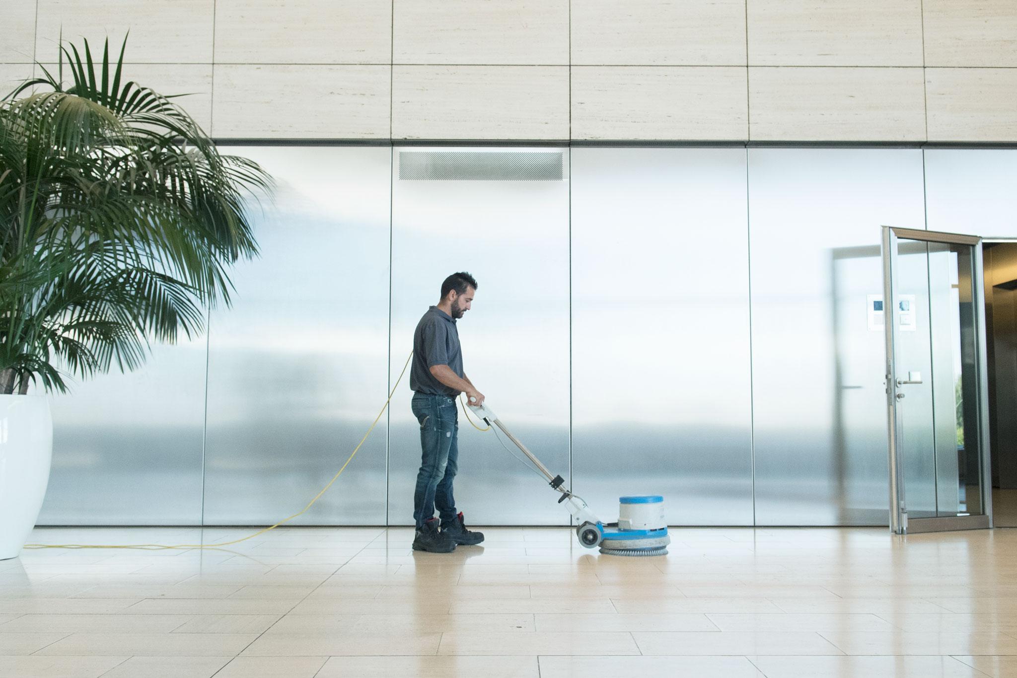 Agent de maintenance - Nettoyage sol professionel