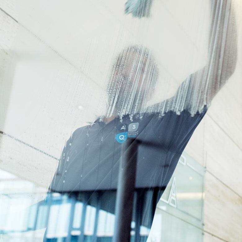 Agent de maintenance – Laveur de vitres